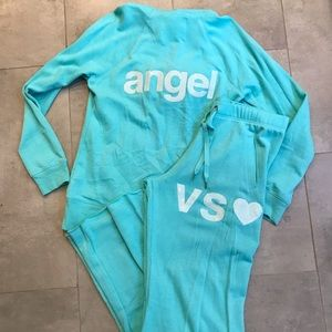 VS lounge outfit